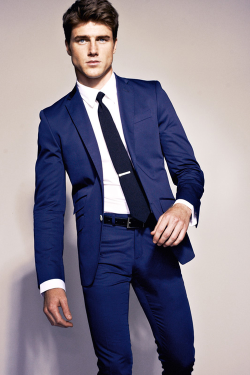 Navy suit. Essentials for modern gentleman. | UrbanBible Magazine ...